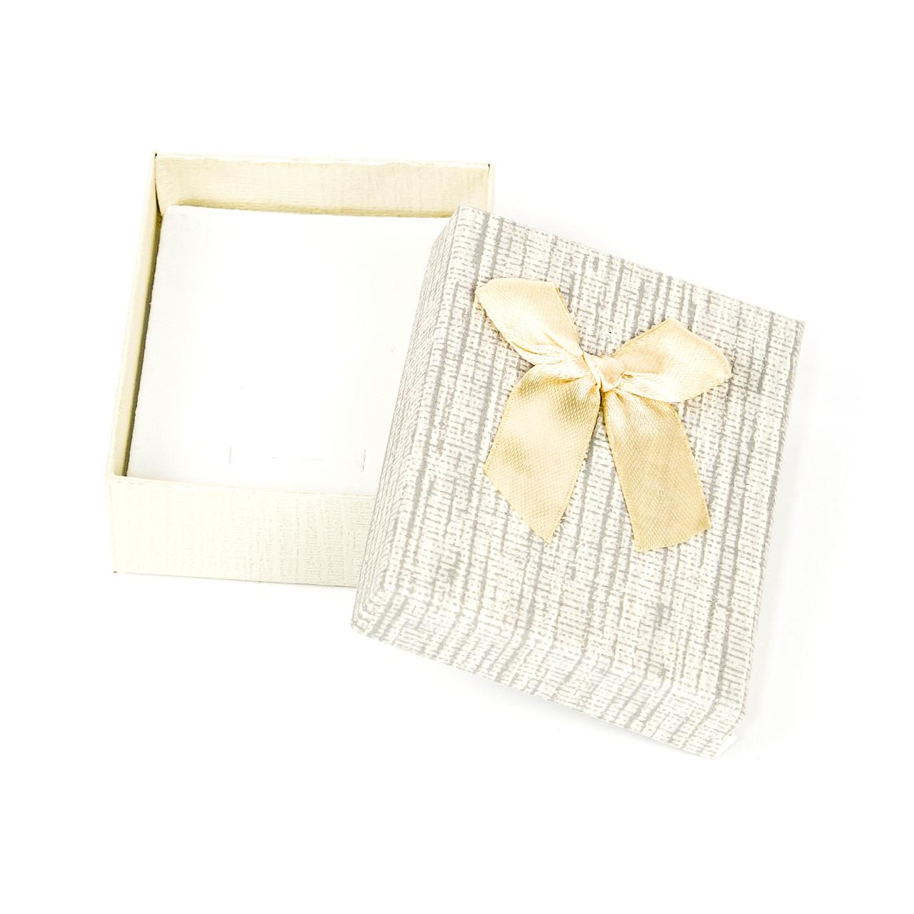 Подарочная коробочка для украшений бежевая 9 х 7 х 2,7 см