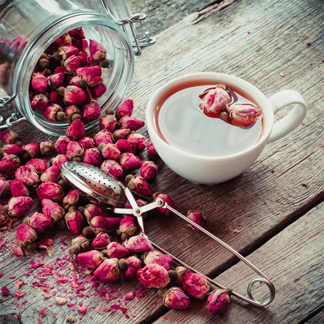 Бутоны чайной розы - ароматная добавка не только в чай.