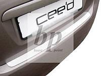 Защитная хром накладка на задний бампер (планка без загиба) Kia Ceed I 5D (киа сид 2006-2013)