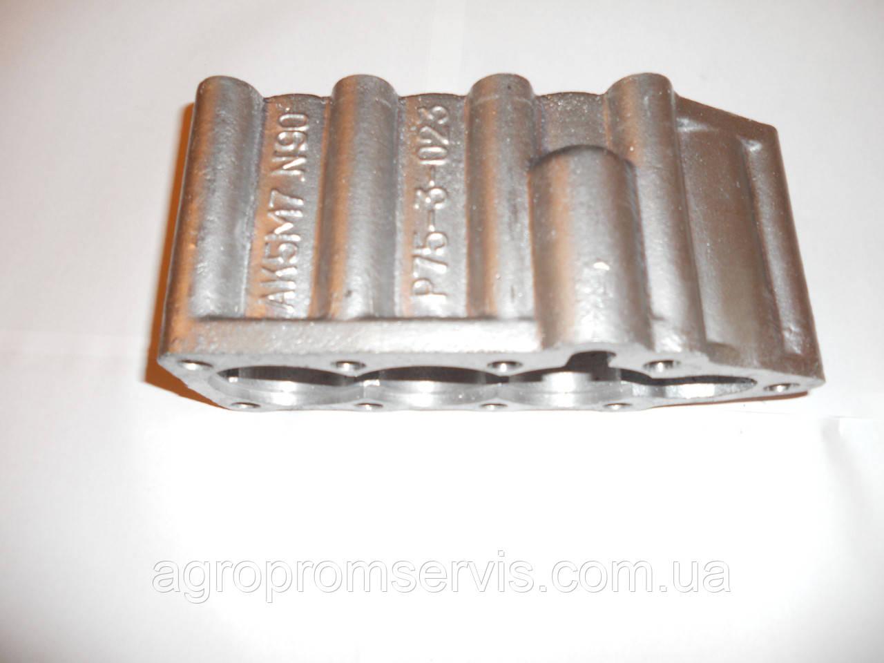 Кришка гідророзподільника Р-80 алюмінієва V-3 Р80-23.20.123 МТЗ,ЮМЗ,Т-40,Т-25