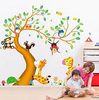 """Интерьерная наклейка на стену в детскую - """"Большое дерево с разными животными"""" AY242AB"""