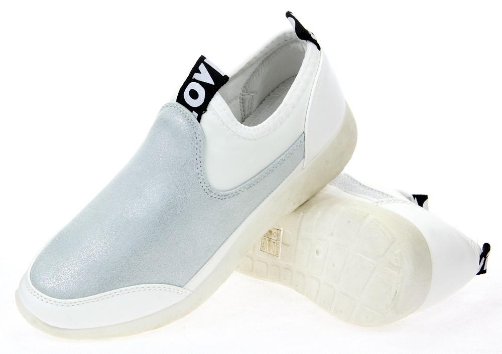 Женские кроссовки Bresler