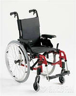 Облегченная детская коляска Invacare Action 3 NG Junior, ширина 20,5 см, темно-синий