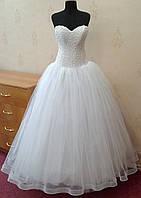 Новое белое свадебное платье с необычным лифом, размер 42-46