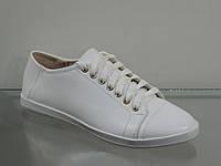Кожаные белые женские туфли на шнуровке