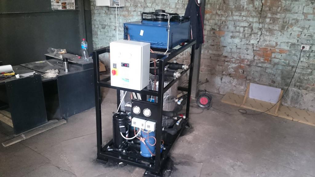 Чиллер для охлаждения воды мощностью 7 кВт. Моноблок.