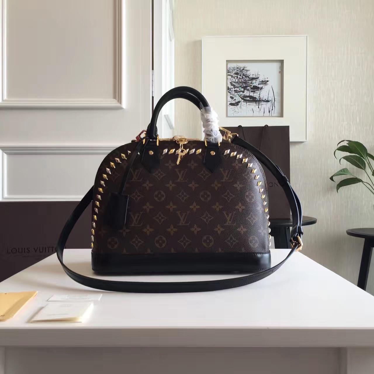 4ee57e09cae0 Сумка женская Louis Vuitton Alma Monogram, цена 6 900 грн., купить в ...