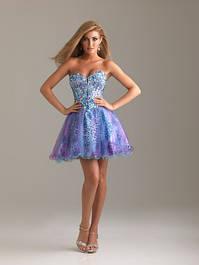 Женские платья выше колена