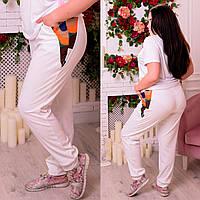 Спортивные штаны больших размеров Кубики белые