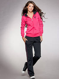 Женский спортивный костюм с брюками