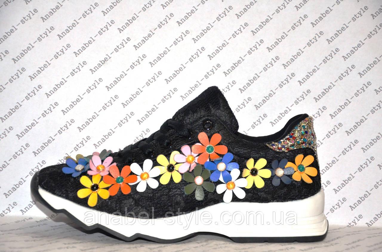 Кроссовки женские летние черного цвета украшены цветочками