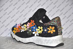 Кроссовки женские летние черного цвета украшены цветочками, фото 3