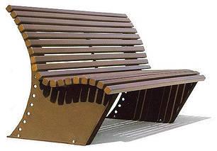 Скамейки деревянные и пластиковіе