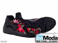 Кроссовки женские из текстиля с цветочным принтом на подошве из термопластичной резины на шнурках черные