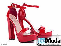Босоножки женские из искусственного лака на подошве из поливинилхлорида на высоком каблуке красные