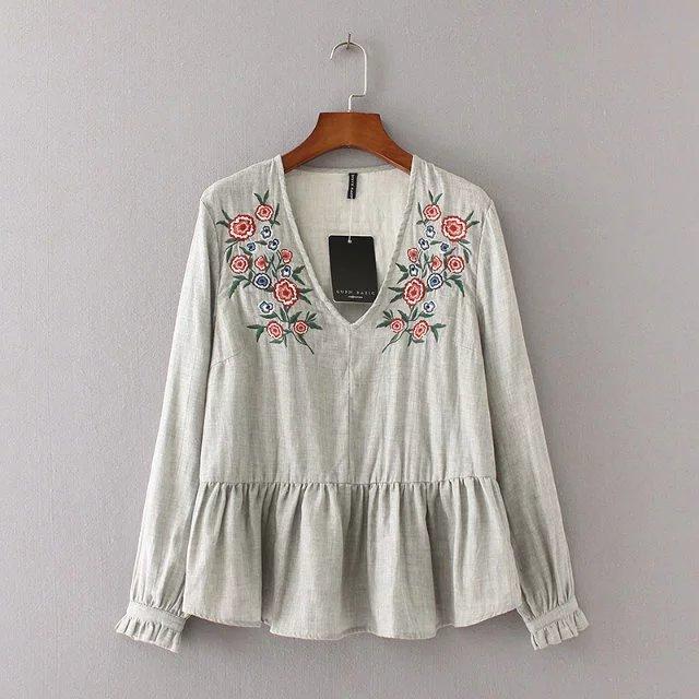 Блузка с вышивкой zara