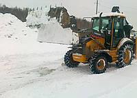 Уборка снега на улицах Киева Расчистка снега трактором и вручную Снегоуборочные работы в Киеве, фото 1