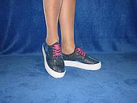 Женские летние слипоны на шнурках на толстой подошве малиновые шнурки неоновые шнурки