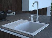 Кухонная мойка с крылом из гранита 58 см светло серая COSH 210