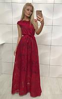 Длинное платье красного цвета