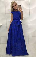 Длинное платье синего цвета