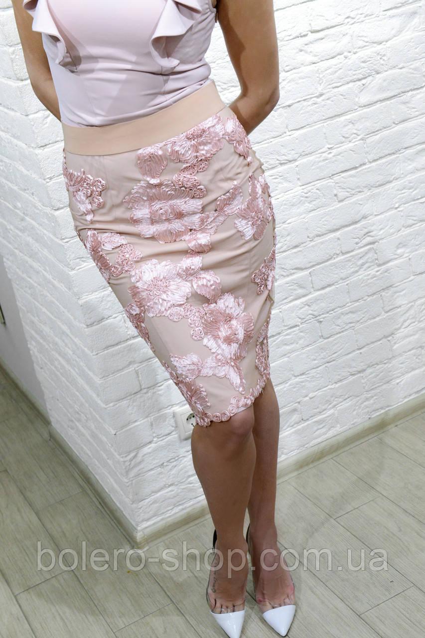 Женская юбка карандаш розовая с нашитыми цветами