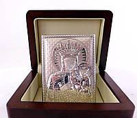 Икона Пресвятой Девы Марии в деревянной шкатулке