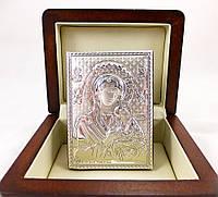 Икона Богородицы Неустанной Помощи в деревянной шкатулке