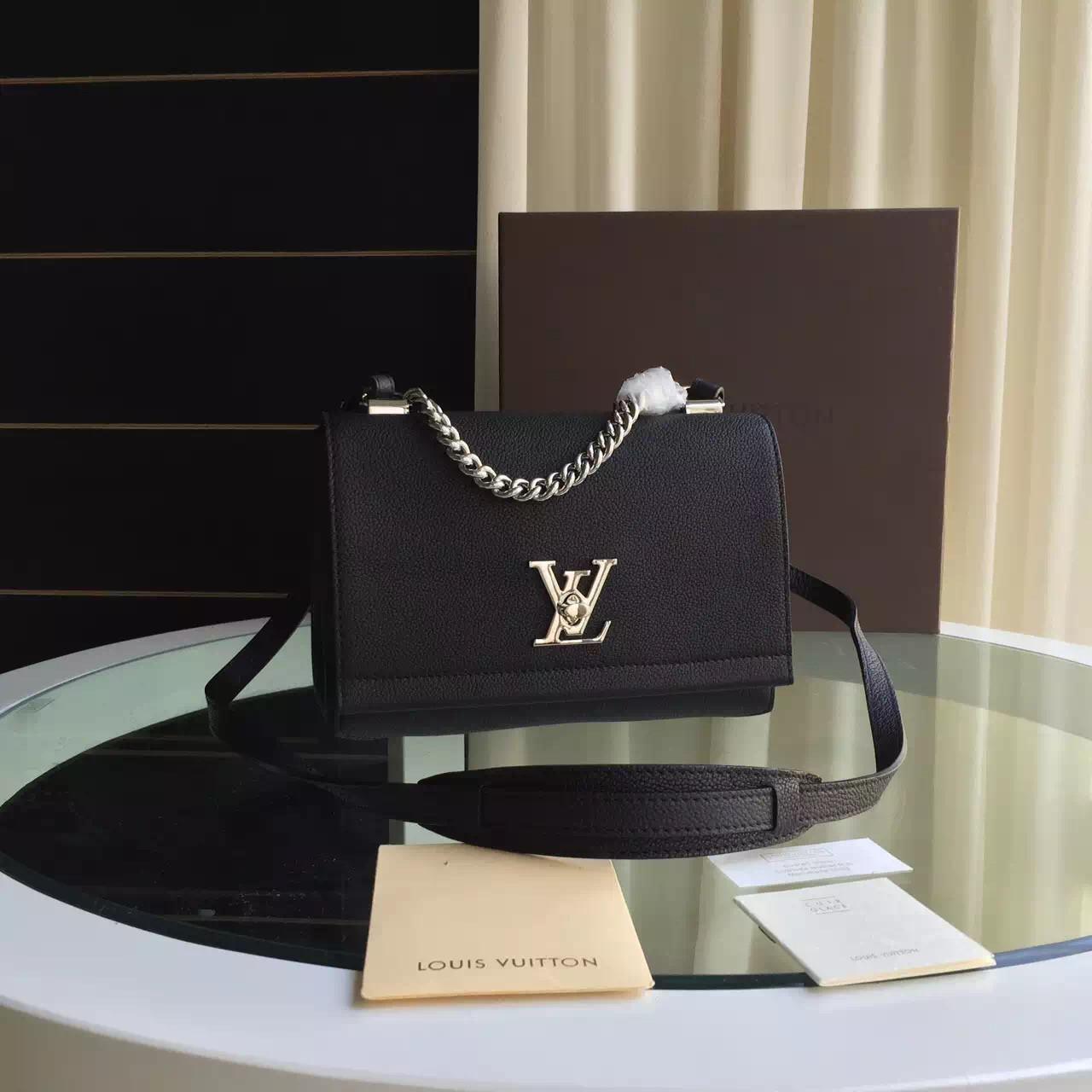 Женская сумка Louis Vuitton Lockme II BB