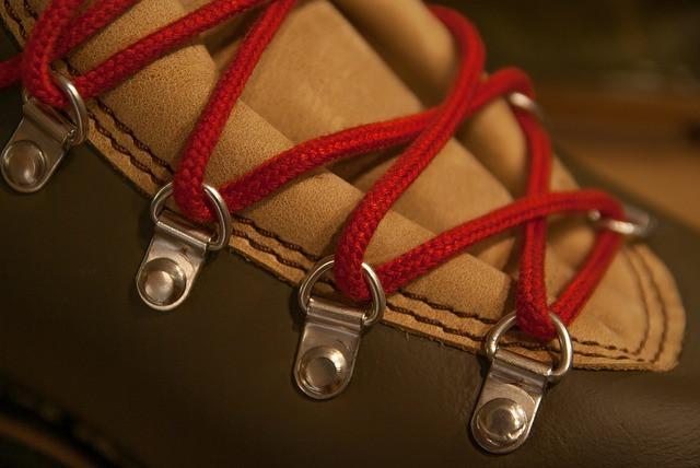 Шнуровка на туфлях мужских