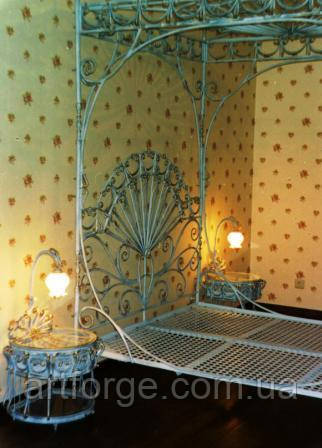 Коване ліжко з балдахіном ПА 001
