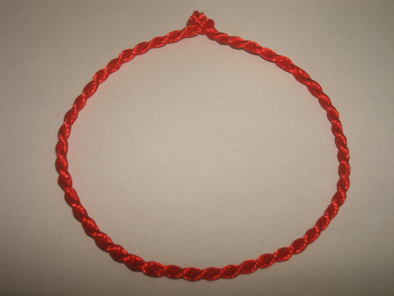 Красная нить от сглаза с листиком