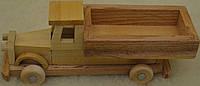 Дитяча  дерев`яна  машинка  Грузова .