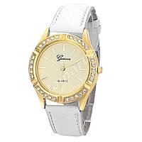 Женские часы Geneva со стразами