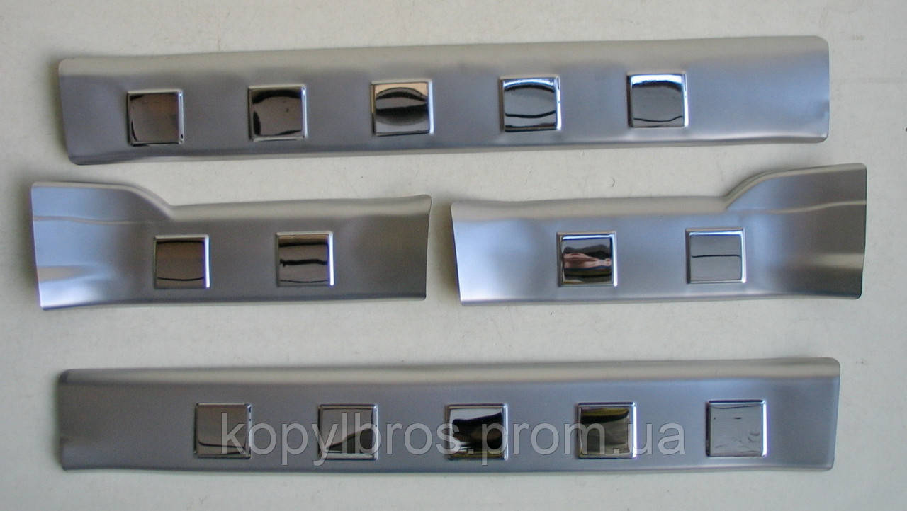 Nissan X-Trail T31 накладки защитные на пороги дверных проемов верхние - KopylBros в Запорожье