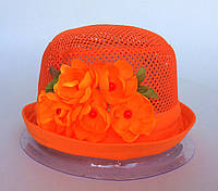 Оранжевая шапочка с цветочками