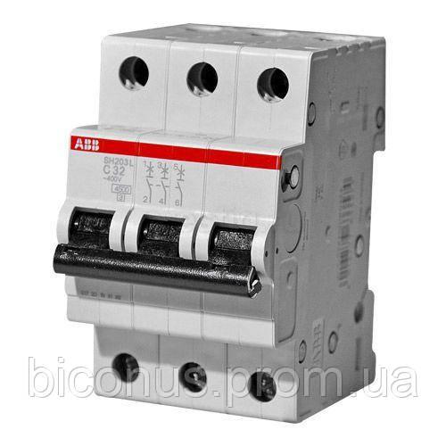 Автоматический выключатель  32A 6кА 3-х полюсный (тип C) (SH203-C32 ABB)