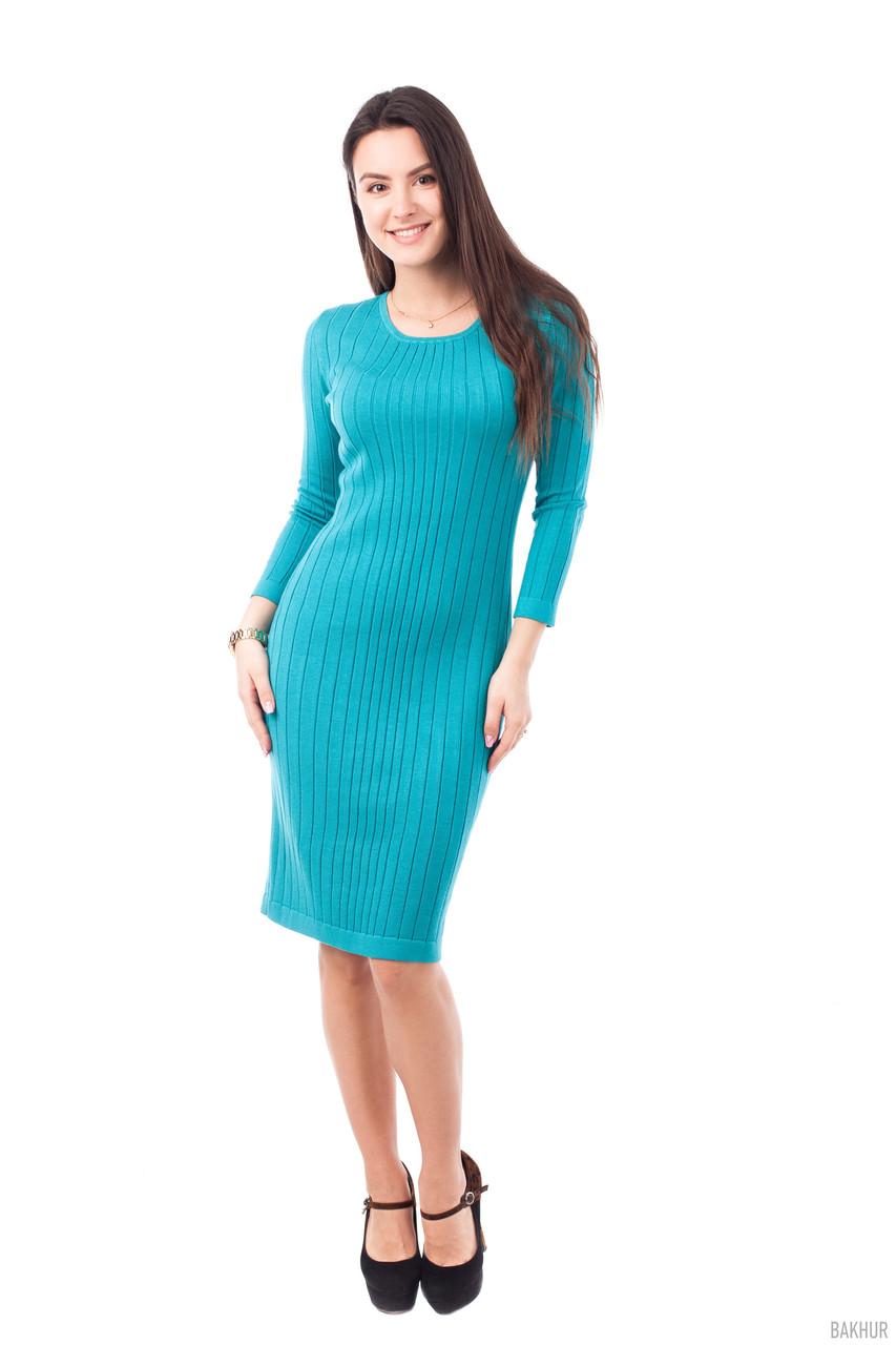 Красивое бирюзовое платье приталенного силуэта, хорошего качества