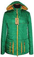 Куртка женская. Съемный капюшон