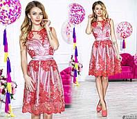 Нарядное женское короткое платье материал красивый гипюр, под низом атлас. Цвет красный