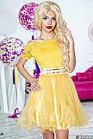 Нарядное женское короткое платье материал верха гипюр, юбка атлас и легкий фатин. Цвет желтый