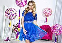 Нарядное женское короткое платье материал верха гипюр, юбка атлас и легкий фатин. Цвет электрик