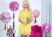 Нарядное короткое женское платье материал шифон с перфорацией, с атласным поясом. Цвет желтый