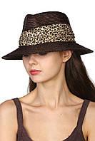 Шляпа в мужском стиле с леопардовой лентой