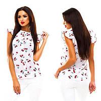 Красива літня блузка в вишеньки