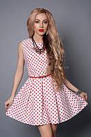 Стильное белое платье в красный горох