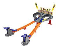 Трек Hot Wheels Безумные гонки CDL49
