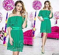 Нарядное короткое женское платье материал шифон с перфорацией, с атласным поясом. Цвет зеленый