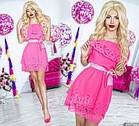 Нарядное короткое женское платье материал шифон с перфорацией, с атласным поясом. Цвет розовый