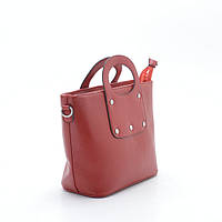 Стильная женская сумка красного цвета